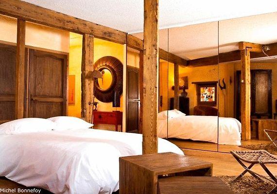 le petit tramassac lyon. Black Bedroom Furniture Sets. Home Design Ideas